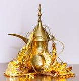 Арабские традиционные блюда, баки и датируют плодоовощи Украшение праздников kareem ramadan Стоковое Изображение