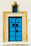 аравийская голубая дверь стоковая фотография rf