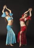 аравийская женщина усмешки 2 танцульки costume стоковые изображения rf