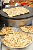 Аравийский хлеб - манная крупа Все-зажаренный Flatbread Стоковая Фотография RF
