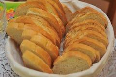 Аранжированный отрезанный белый хлеб Стоковое Изображение