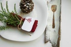 Аранжировать таблицу для концепции зимних отдыхов стоковое фото