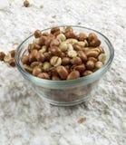 арахисы зажарили в духовке посоленный испанский язык Стоковые Фото