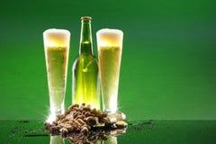 арахисы пива холодные высокорослые Стоковые Фото