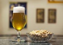 арахисы пива Стоковое фото RF