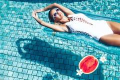 Арбуз в бассейне Стоковые Фотографии RF