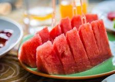 Арбуз в плите для ест Стоковое Фото