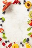 Арбуз, плодоовощи, ягоды и листья мяты Concep плодоовощ лета Стоковое Изображение