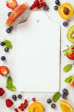 Арбуз, плодоовощи, ягоды и листья мяты Concep плодоовощ лета Стоковое фото RF
