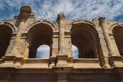 Арена и римский амфитеатр, Arles, Провансаль, Франция стоковое изображение rf