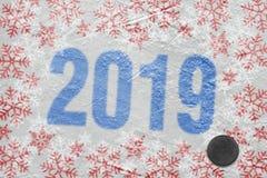 Арена льда зимы и шайба хоккея стоковые изображения rf