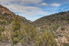 Аризона, Prescott, след мытья Глуш-мяты горы гранита Стоковые Фотографии RF