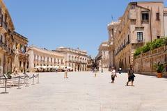 аркада Сицилия syracuse di duomo Италии стоковое изображение