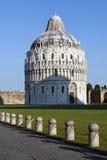аркада pisa miracoli dei baptistery Стоковые Изображения