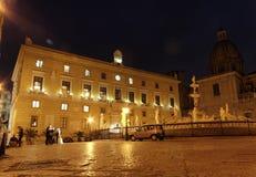 аркада pretoria ночи стоковые фотографии rf