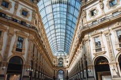 Аркада внутри Galleria Vittorio Emanuele II на милане стоковое изображение