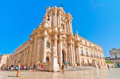Аркада del Duomo в Ortigia, Сиракузе, Италии стоковая фотография