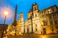 Аркада Navona на ноче, Риме, Италии стоковое изображение rf