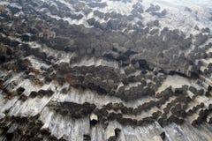 Армения - симфонизм камней, геологохимических столбцов базальта горной породы в ущелье около Garni стоковое фото