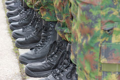 Армия, воинские ботинки Стоковое Фото