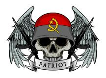 Армия черепа нося шлем флага АНГОЛЫ Стоковое Изображение