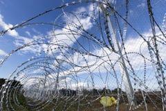 Армия f Y r македонии продолжает конструкцию загородки стоковое изображение