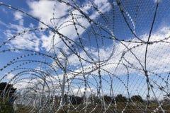 Армия f Y r македонии продолжает конструкцию загородки стоковые фотографии rf