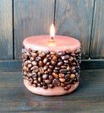 Ароматичная свеча кофе стоковое изображение rf