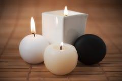 ароматичные свечки камня спы Стоковое Фото