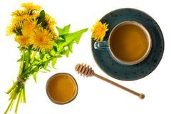 Ароматичный свежий сладостный мед от одуванчиков стоковые изображения