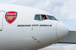 Арсенал эмиратов Боинга 777-200 Россия Санкт-Петербург 10-ое августа 2017 Стоковое фото RF