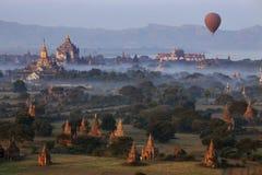 Археологическая зона - Bagan - Мьянма Стоковое Изображение RF