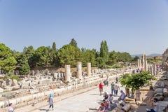 Археологический район Ephesus, Турции Stoa Nero, расположенное вдоль мраморной улицы Стоковая Фотография