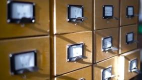 Архивные системы файлов в библиотеке Деревянные коробки с карточками сток-видео