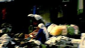 Архивный стол одежды Вифлеема сток-видео