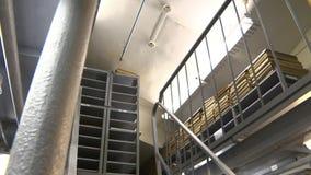 Архив с книгами, лестница металла в библиотеке сток-видео