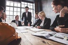 Архитекторы конструкции в офисе Стоковая Фотография RF
