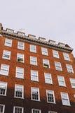Архитектура в центре города Лондона в Mayfair стоковые фотографии rf