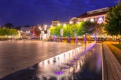 Архитектура главной площади в городе Sopot вечером, Польша стоковые изображения