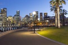 Архитектура города Сиднея на ноче стоковая фотография rf