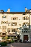 Архитектура здания на месте Bourg 4 на городке Женевы старом Стоковые Фото