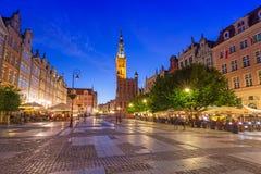 Архитектура длинной майны в Гданьске на ноче Стоковое Фото