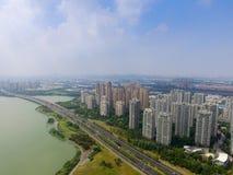 Архитектура и дороги города Китая Сучжоу стоковая фотография
