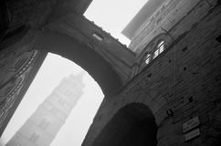 Архитектура Пистойя готическая увиденная снизу Стоковые Фото