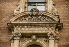 Архитектура Санкт-Петербурга Возникновение женщины Стоковое Фото
