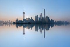 Архитектура Шанхая Пудуна стоковые фото