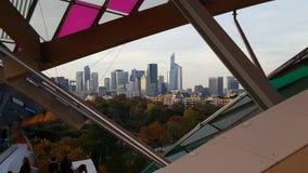 Архитектура Fondation Louis Vuitton Парижа стоковое изображение rf