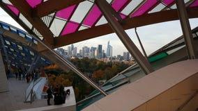 Архитектура Fondation Louis Vuitton Парижа стоковая фотография rf