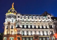 Архитектура Gran через улицу вечером, Мадрид, Испания стоковое фото rf