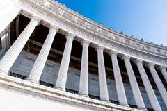 Архитектурноакустическая деталь столбцов della Patria памятника, aka Vittoriano или Altare Vittorio Emanuele II Рим, Италия стоковые изображения rf